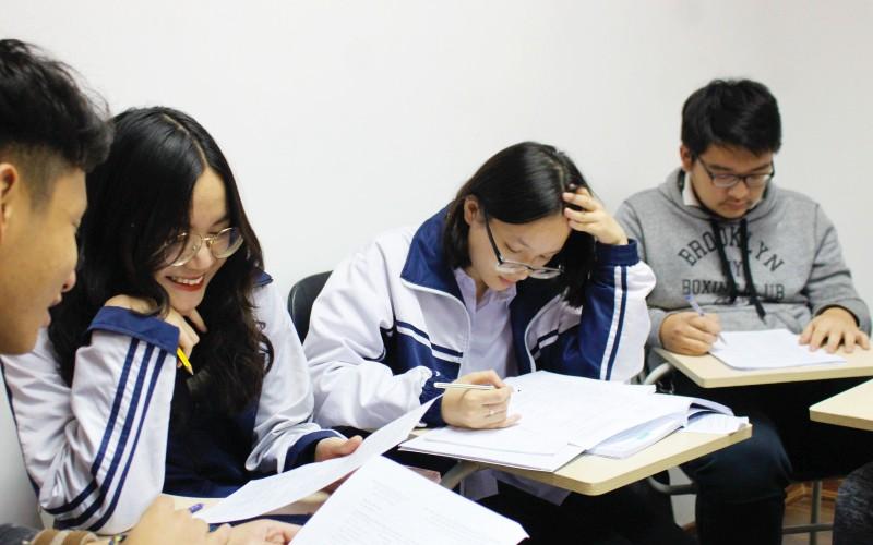 Lớp luyện ôn thi tiếng Đức tốt nghiệp THPT-Cấp ba và cấu trúc đề thi
