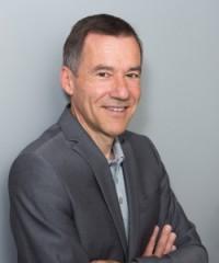 Giáo sư- Tiến sĩ ngôn ngữ học. Albrecht Müller